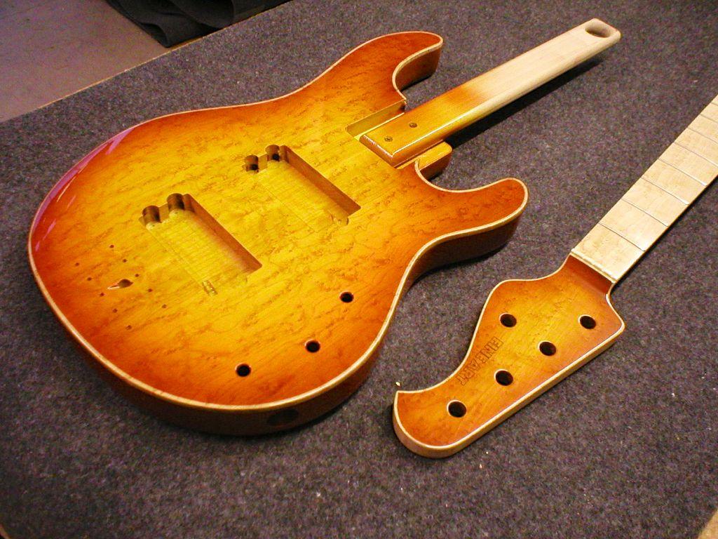 FA-5-string-honeyburst
