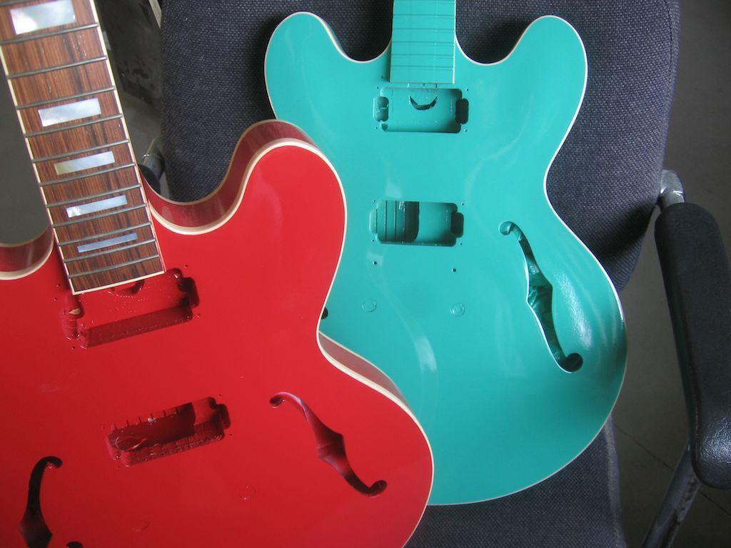 K-335 fiesta red & sea foam
